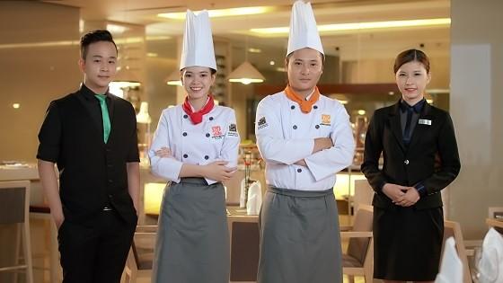 giới thiệu về bếp trưởng edu