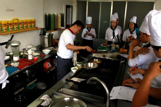 Chuyến tham quan đầu tiên của đầu bếp Micheal Bảo Huỳnh tại Trường