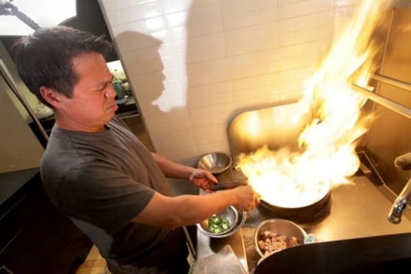 đầu bếp Charles Phan