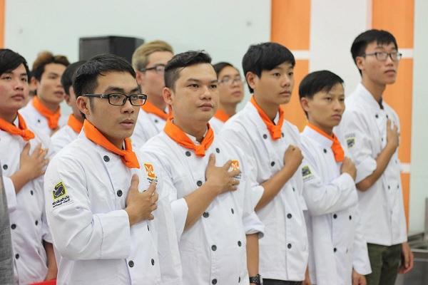 hình ảnh một buổi lễ khai giảng bếp trưởng