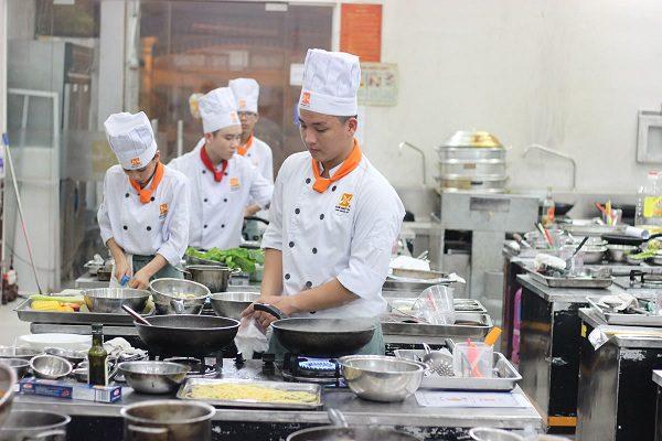 học nghề bếp dễ thành công