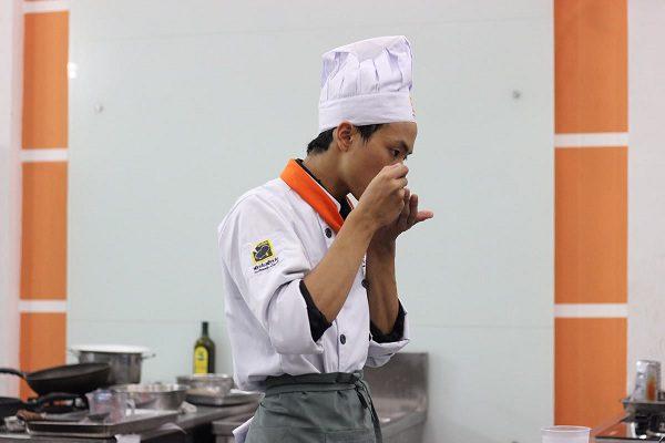 xu hướng nam giới chọn nghề bếp