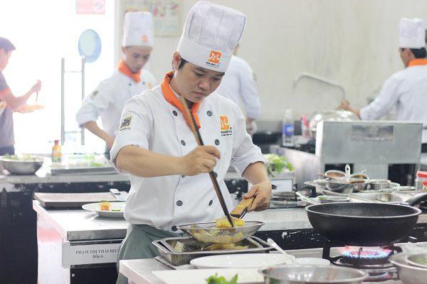 Học nghề bếp - niềm đam mê cháy bỏng của tôi