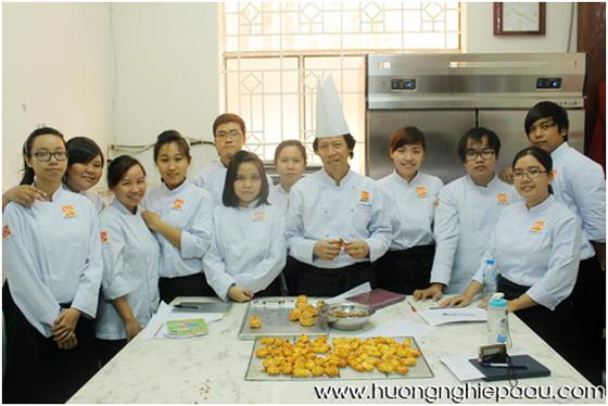 bếp trưởng bếp bánh bb09