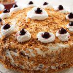 bánh sinh nhật hạnh nhân