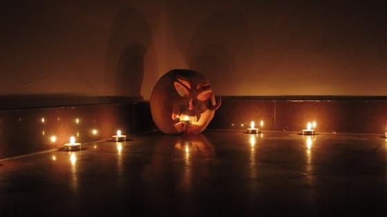 halloween huong nghiep a au - nhung ngon nen lung linh huyen ao
