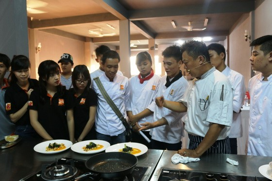 Kham pha va chia se tai Huong Nghiep A Au20