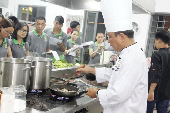 Du-lich-vong-quanh-huong-nghiep-a-au24