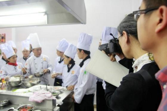 omura mika ghi lại hình ảnh buổi học