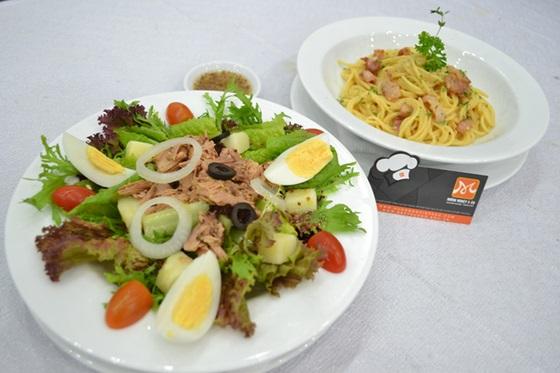 Salad Cá Ngừ và Spaghetti Alla Carbonara