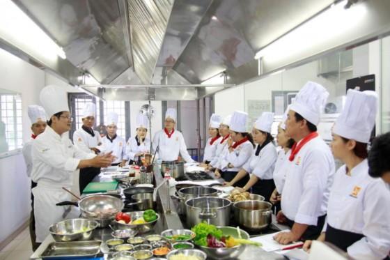 khóa dạy nấu ăn ngon tại á âu
