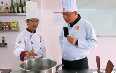 """Lớp học nấu ăn theo Yêu Cầu """"một thầy một trò"""" dành cho các đối tượng muốn học nấu ăn sau thời gian đi làm"""