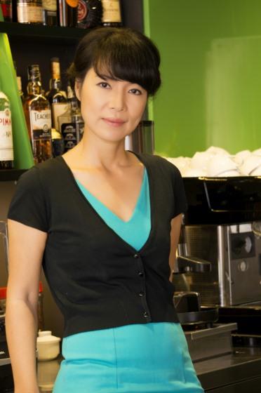 - Cô Trần Lệ Thu – Chuyên gia pha chế và làm kem