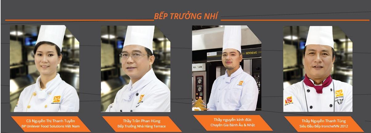 Các giảng viên khóa học bếp trưởng nhí trường Hướng Nghiệp Á Âu
