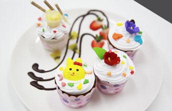 Khóa học làm bánh cupcake thông dụng tai trường dạy làm bánh Hướng Nghiệp Á Âu