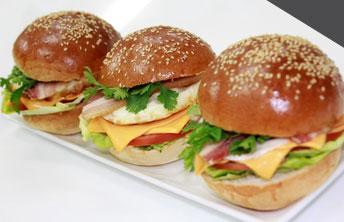 Khóa học làm bánh mì tại trường dạy làm bánh Hướng Nghiệp Á Âu