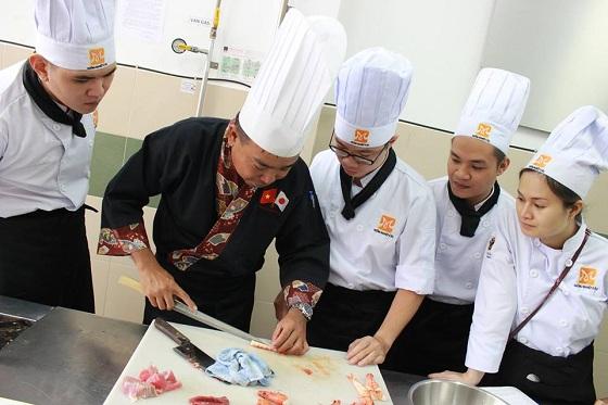 nghề bếp đang thiếu hụt nguồn nhân lực