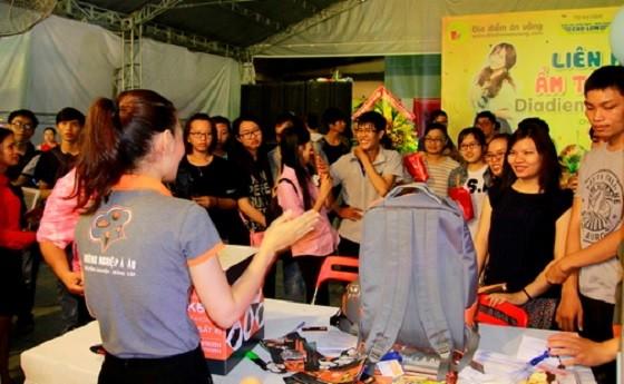 Gian hàng của HNAAu trong những hội chợ trước luôn rất thu hút khách tham quan
