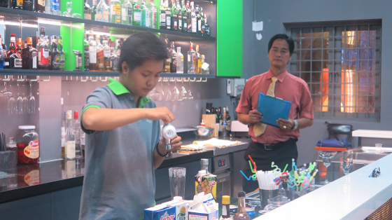 học viên lớp bartender 15