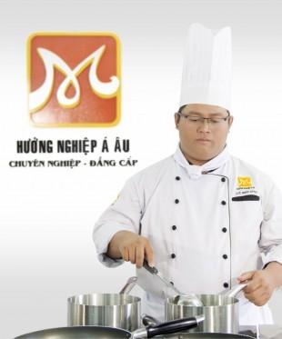 Thầy Dương Minh Dũng giảng viên khóa điểm tâm hồng kông