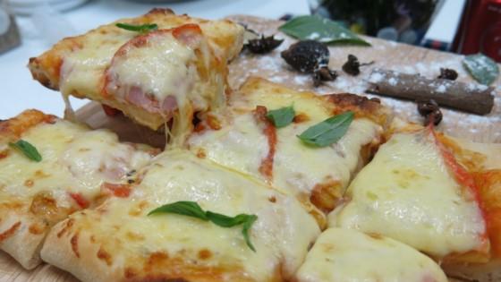 bánh pizza thơm ngon