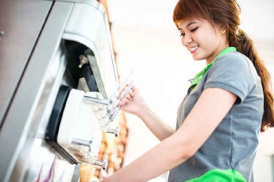 giới trẻ theo đuổi nghề làm kem