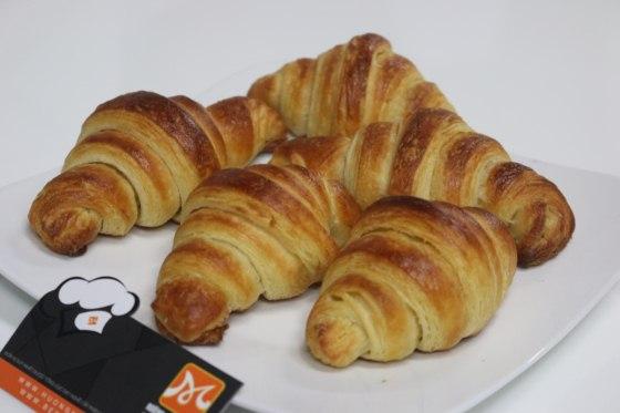 bánh mì sừng trâu croissant