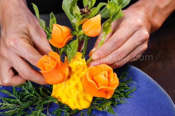 cắt tỉa bông hồng