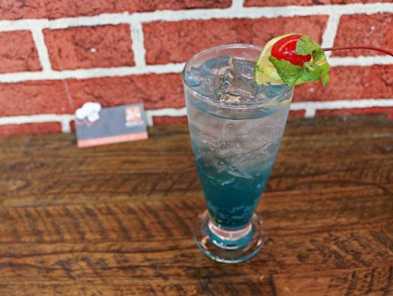 Soda Ý với màu xanh quyến rũ vị giác