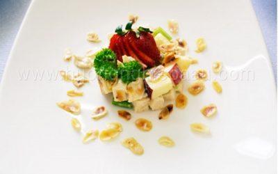 Salad táo được trang trí đơn giản mà hấp dẫn