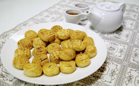 Bánh dứa nướng vàng ươm