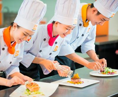 học bếp trưởng bếp âu