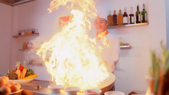 Nổi lửa lên và nấu ăn ngay khi có hiệu lệnh Fire