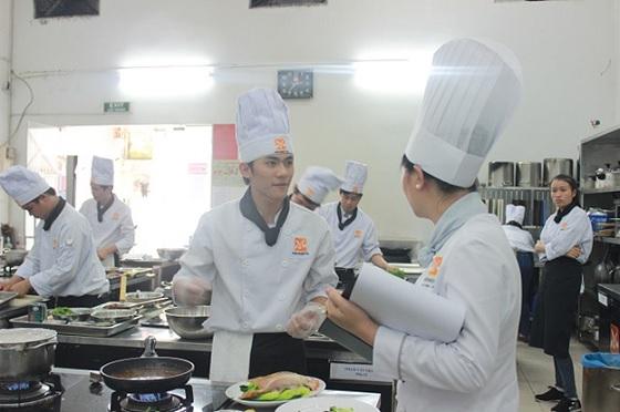 Học nghề Đầu bếp – thực hiện đam mê ẩm thực sau khi thi Đại học
