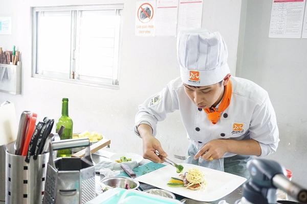 Học nghề đầu bếp ở Buôn Ma Thuột (Daklak) để kinh doanh hiệu quả