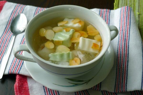 Mách bạn cách làm chè khúc bạch trà xanh ngon