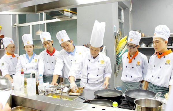 làm sao để trở thành bếp trưởng điều hành