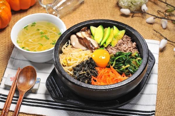 Học nấu ăn với Ẩm Thực Hàn Quốc