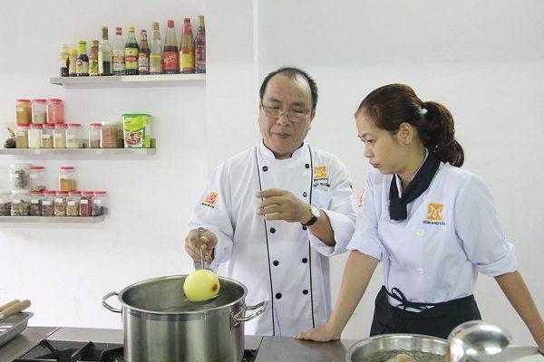 dạy nấu ăn theo yêu cầu tại Bếp Trưởng