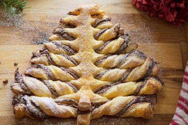 Bánh mì hình cây thông