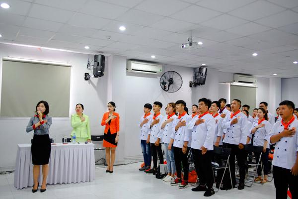 Lễ khai giảng một lớp học tại HNAAu