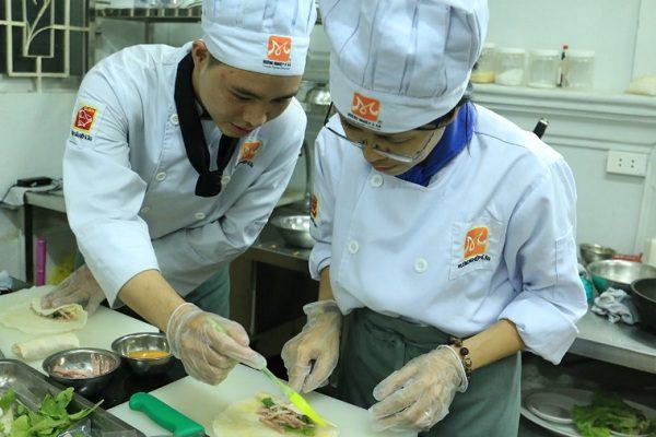 Học bếp không sợ thất nghiệp