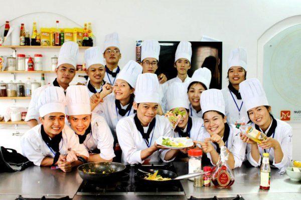 phỏng vấn học viên nghề bếp