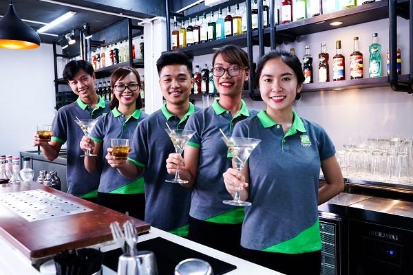 Bartender có công việc hấp dẫn