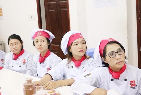 khai giảng lớp bếp bánh 4