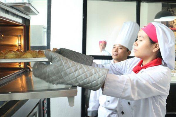 dạy nghề làm bánh
