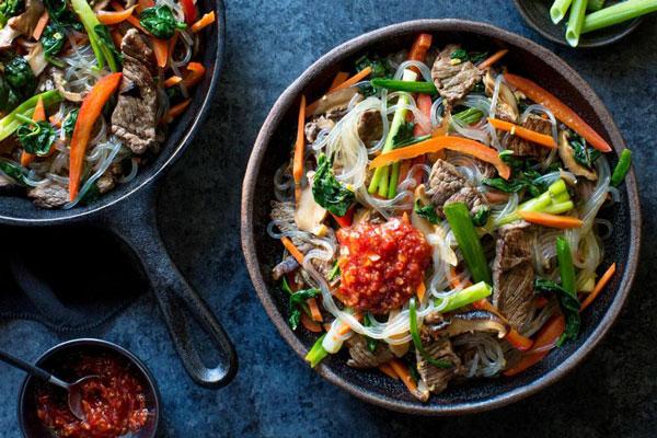 Miến nấu khô với thịt bò