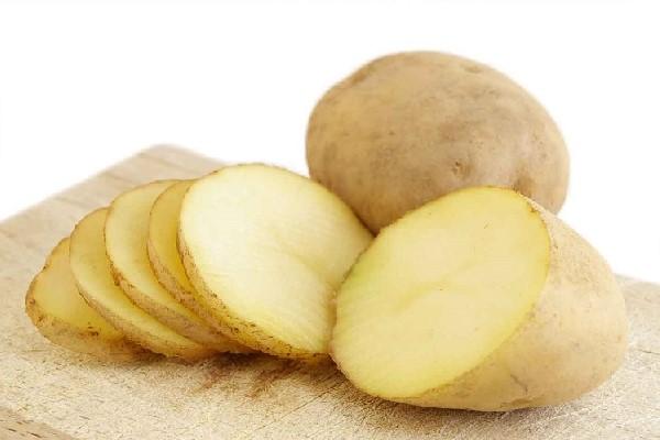 gọt võ khoai tây
