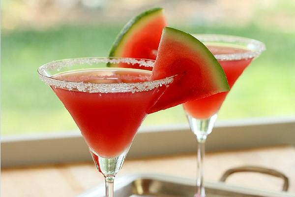 Kết hợp dưa hấu và rượu mạnh