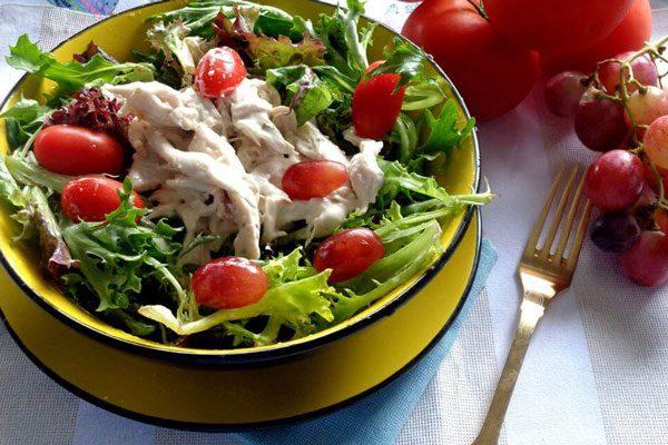 Salad gà sữa chua Hy Lạp